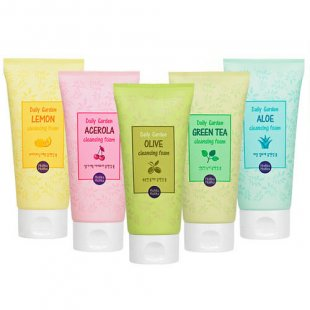 Пенка для умывания Holika Holika Daily Garden Cleansing Foam